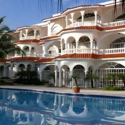 Hotel Hideaway Beach Resort