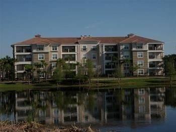 Hotel 3BD 2BA Condo Lakefront View Sleeps 6 RVC3078