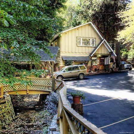 Hotel Arrowhead Tree Top Lodge