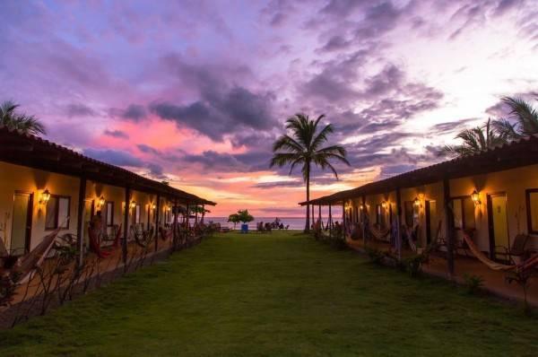 Hotel Beach Break Surf Camp