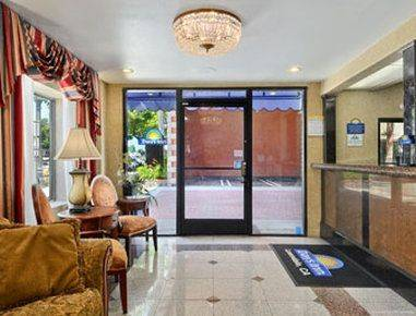Days Inn by Wyndham Los Angeles LAX/Redondo/Manhattan Beach
