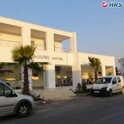 Shark Club Hotel