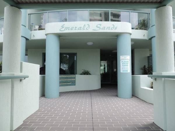 Hotel Emerald Sands Apartments