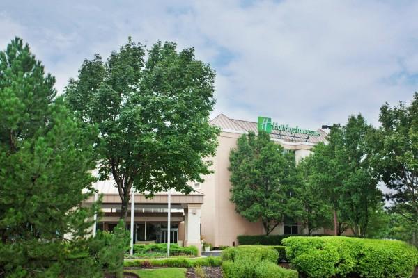 Holiday Inn & Suites CHICAGO-CAROL STREAM (WHEATON)