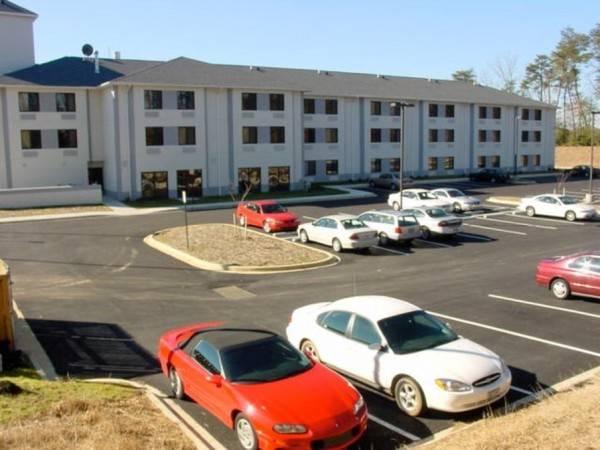 Hotel MD NAVAIR Red Roof Suites California