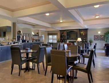 Hotel Ramada by Wyndham Pincher Creek