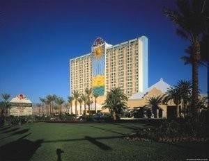 Hotel River Palms Casino Resort