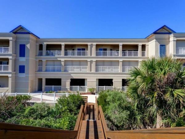 Hotel Bella Mar 202 4 Br condo by RedAwning