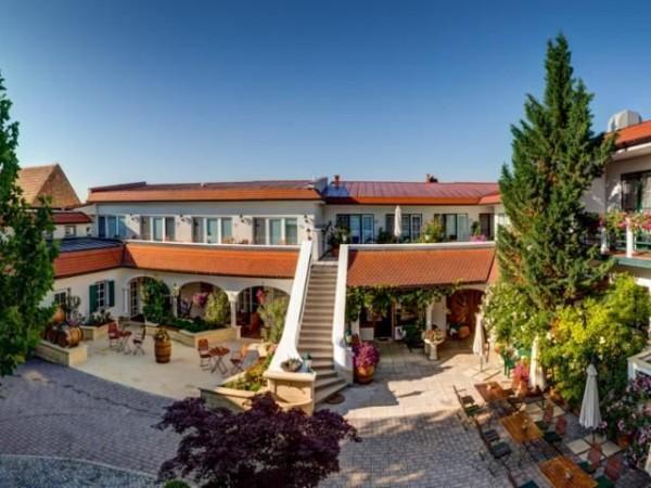 Hotel Bauernhof Winzerhof Schindler
