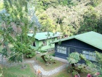 Hotel Cabinas El Quetzal