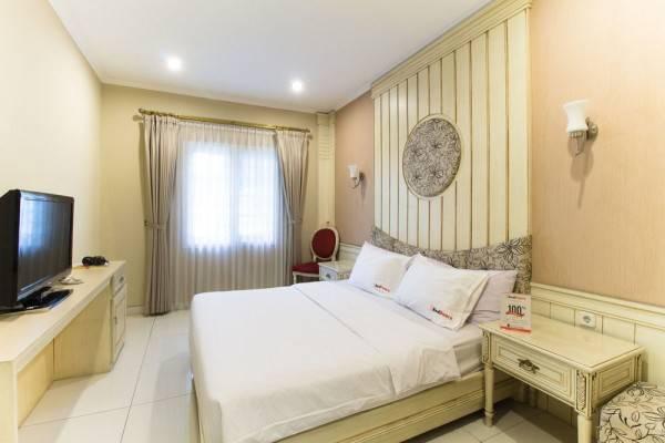 Hotel RedDoorz Plus @ Istana Plaza