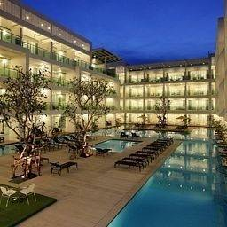 Hotel The Old Phuket - Karon Beach Resort
