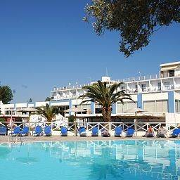 Hotel Grand Bleu Sea Resort