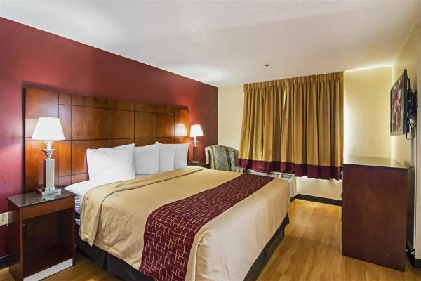 Hotel Red Roof Suites Fayetteville-Fort Bragg