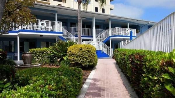 Hotel Sea Captain Resort on the Bay