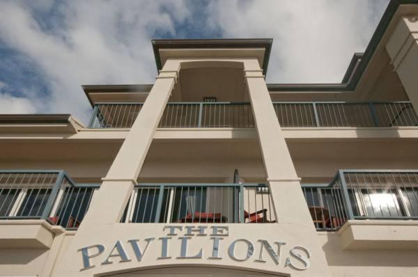 Hotel The Pavilions Beachfront Apartments