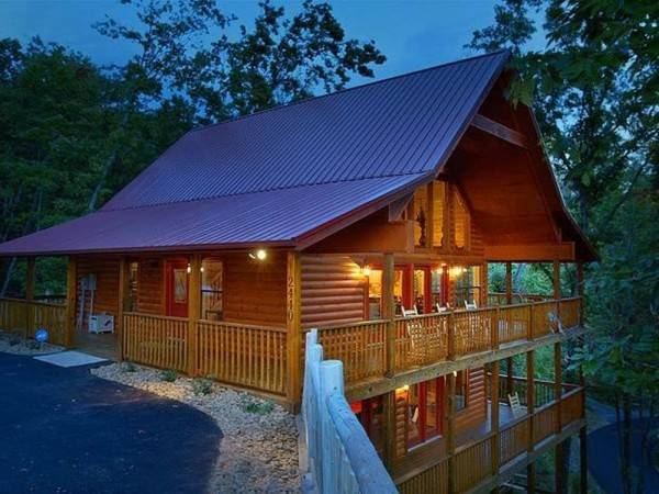 Hotel Mountain Retreat by RedAwning