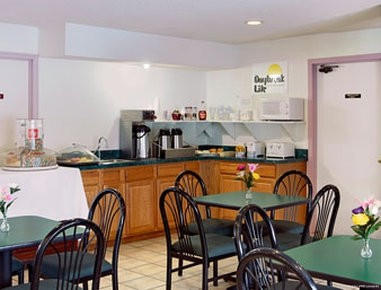 RODEWAY INN AND SUITES OLATHE
