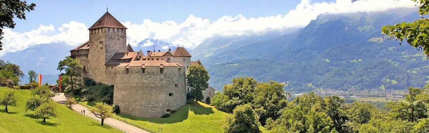 Hotels in Liechtenstein finden Sie zu günstigen Konditionen bei HRS. Sofort reservieren und Angebote sichern!