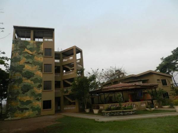 Hotel Kamath Residency Nature Resort