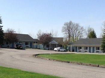 Dollinger's Motor Inn