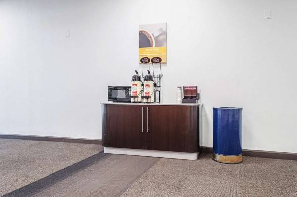 Motel 6 Brockton, MA