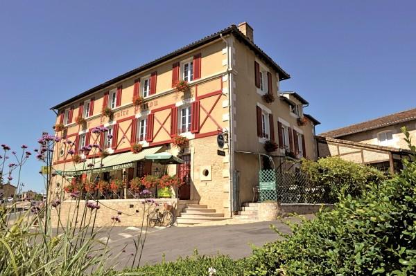 Hotel Auberge du Centre Poitou Logis de France
