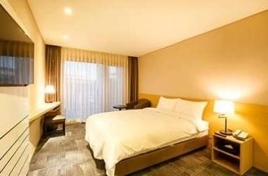 Hotel Ramada Encore by Wyndham Jeju Seongsan