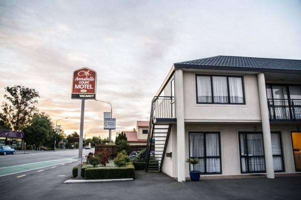 Annabelle Court Motel