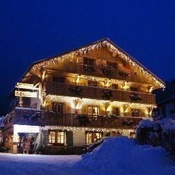 Hotel Les Chalets de la Griyotire 3