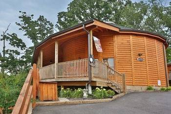 Hotel Round the Clouds 3 Br cabin by RedAwning