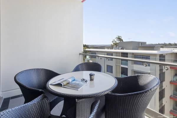 Hotel Meriton Suites North Ryde