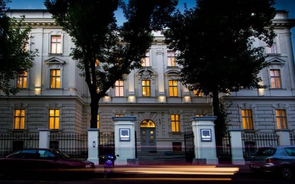 Hotel Vienna Suites