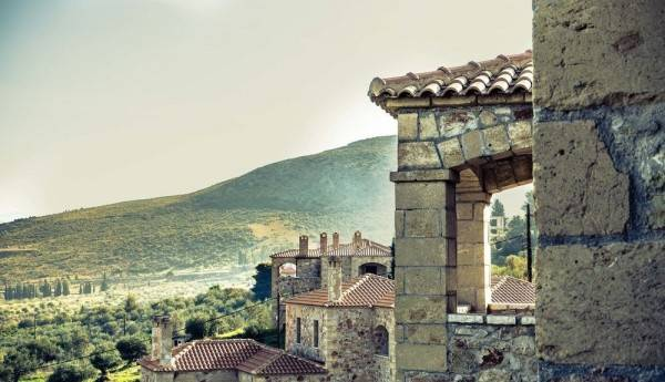Hotel Klymeni Traditional Homes