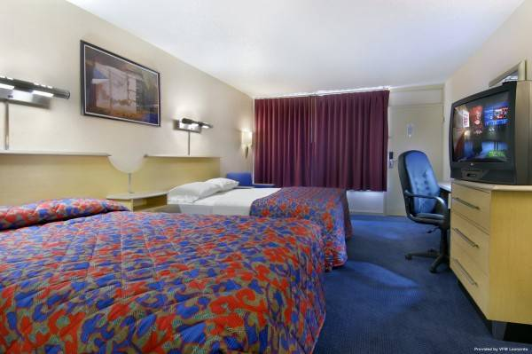 Hotel Red Roof Suites Wytheville