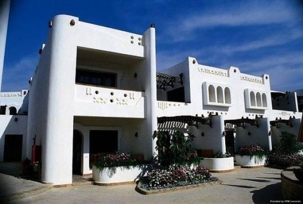 TROPICANA TIVOLI HOTEL