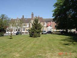 Hotel Larkfield Priory