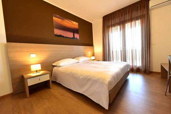 Hotel Trip Room & Breakfast