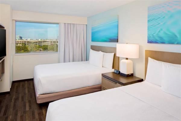 Hotel Hyatt House across form Universal Orland