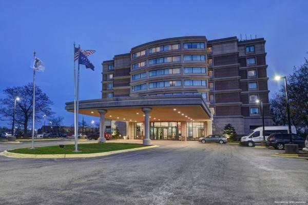 Renaissance Chicago Glenview Suites Hotel