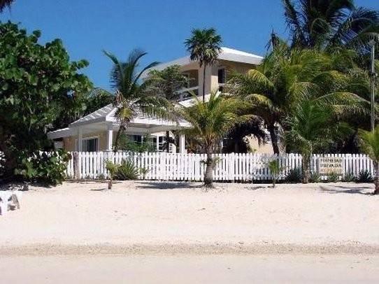 Hotel Paradise Beach Club