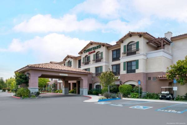 Hotel Courtyard Thousand Oaks Ventura County