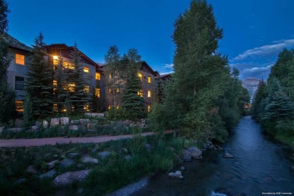 Hotel River Club