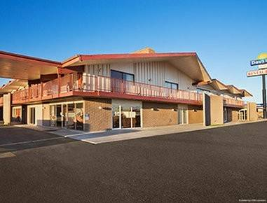 Days Inn by Wyndham Chambers Near the Petrified Forest East