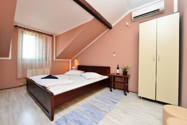 Hotel Apartments & Accommodation Stojic