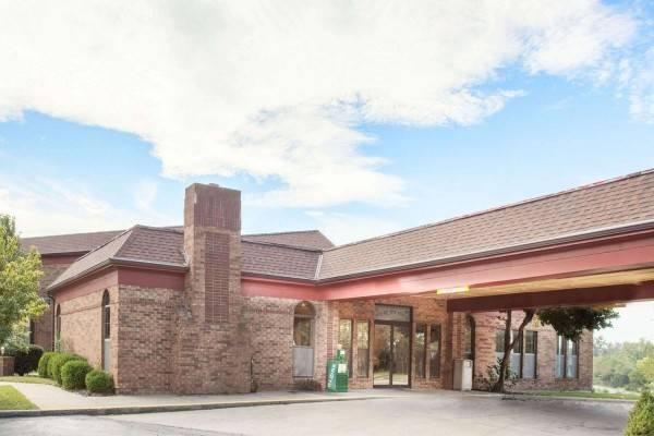 Hotel Super 8 by Wyndham Atchison