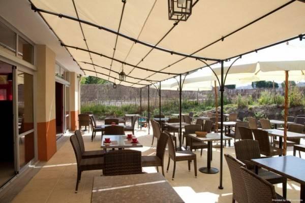 Hotel Kyriad AIX LES MILLES Plan de Campagne