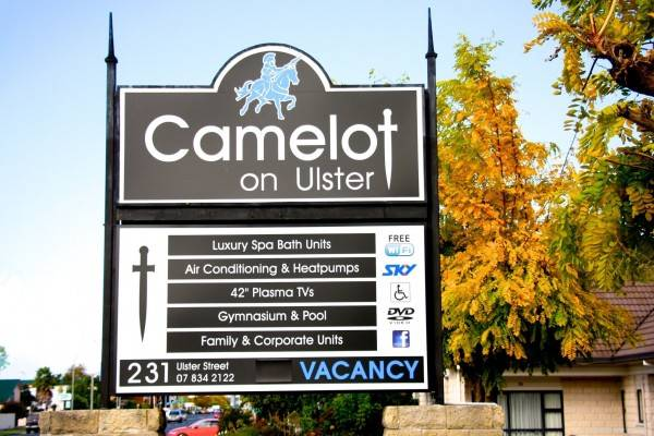 Hotel CAMELOT ON ULSTER