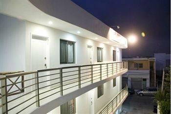 Hotel Nadet Suites