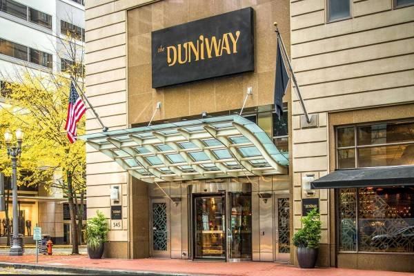 The Duniway Portland a Hilton Hotel